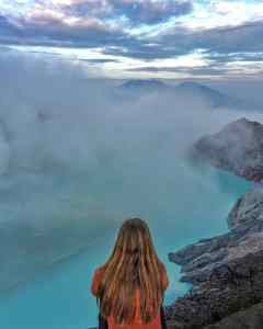 how to take travel photos of yourself - solo travel