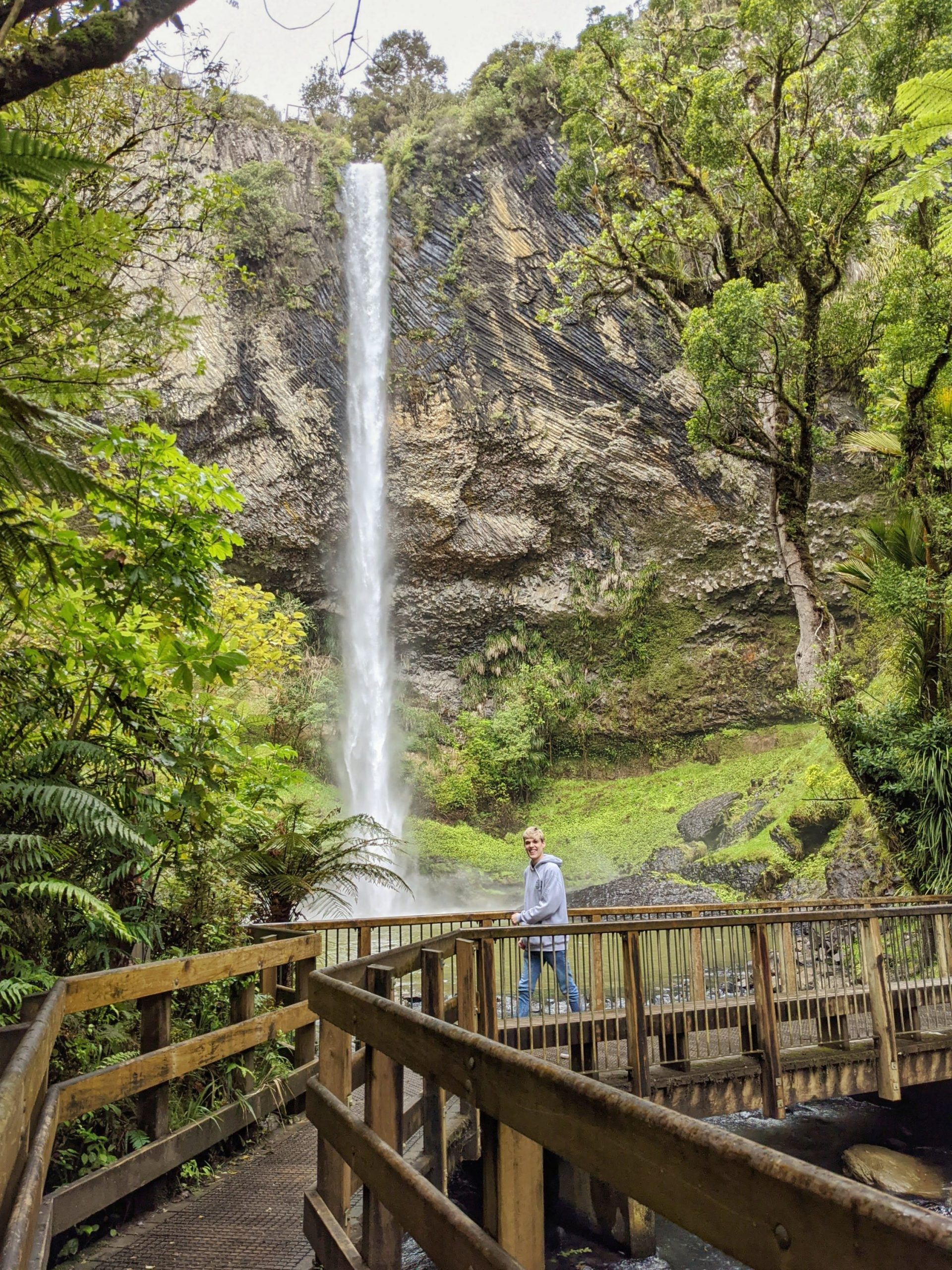 Bridal Veii Falls - the highlight of my day trip to Raglan and Hamilton from Auckland