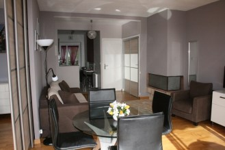 salon et coin repas/ living room & dining space