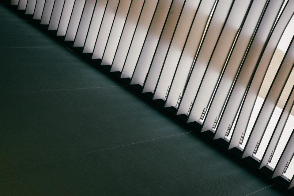 lamellen shutters vouwgordijnen Waarom raamdecoratie belangrijk is en wat zijn de voordelen?!