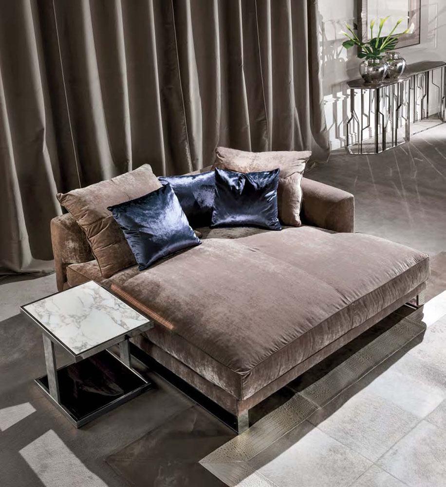 High End Hall Italian Designer Chaise Lounge Italian