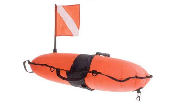 dive flag with torpedo