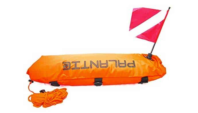 dive float with flag