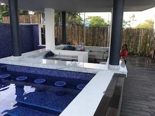 swim-up bar at Grand Lido Negril