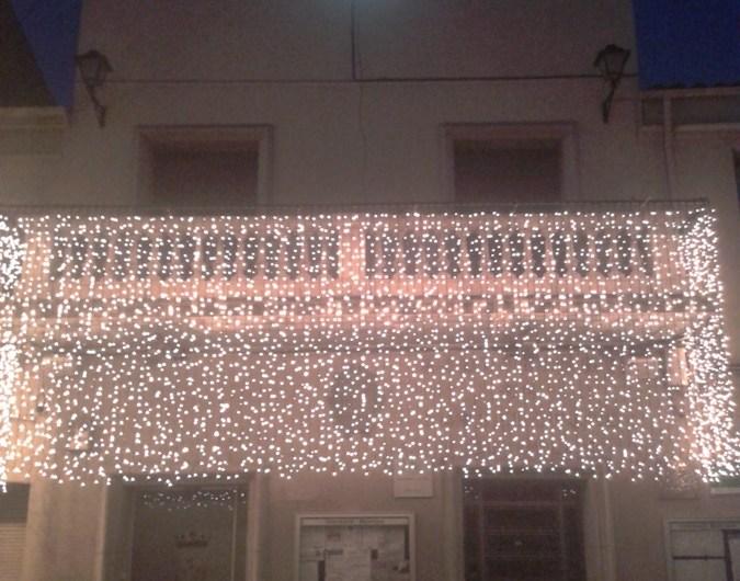 La façana de l´Ajuntament de Castellbell i el Vilar  estrena  iluminació nadalenca