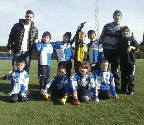 Futbol els prebenjamins A  i C del Centre d´Esports Castellbell campions de la lliga comarca del Bages