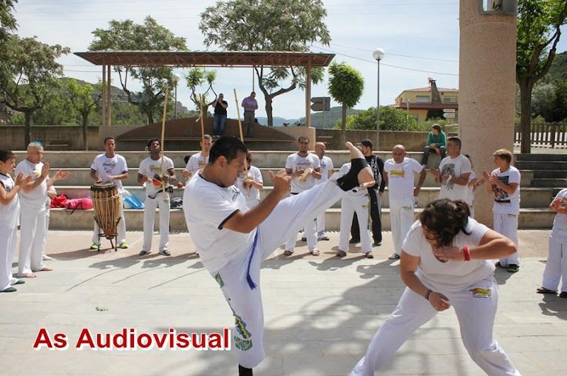 horaris d´estiu de les classes de Capoeira a Castellbell i el Vilar