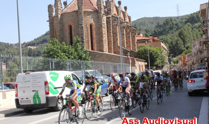 La cursa Ciclista del Llobregat passa pel nucli urbà de Castellbell i el Vilar.