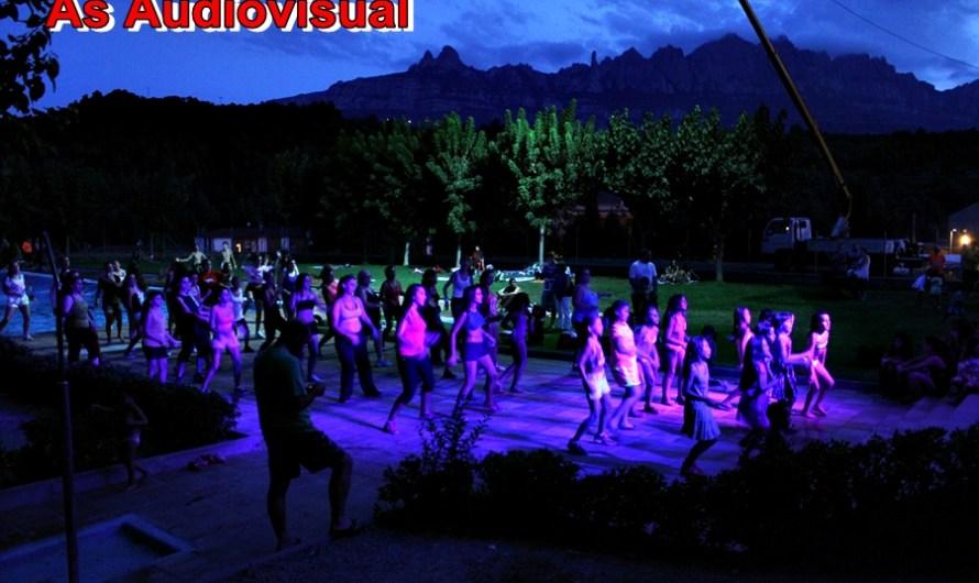 ESPECIAL FM A CASTELLBELL I EL VILAR: Banyada nocturna a ritme de zumba