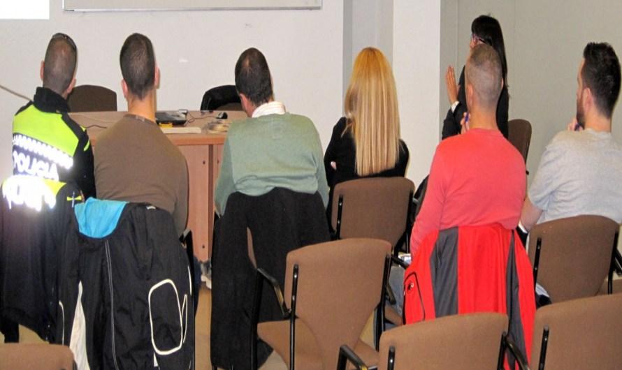 El Consell Comarcal forma les policies locals de la comarca sobre la violència contra les dones