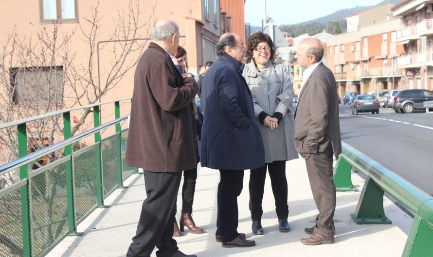 Inauguren les obres de la Carretera de la intersecció BP1121 a Castellbell i el Vilar .