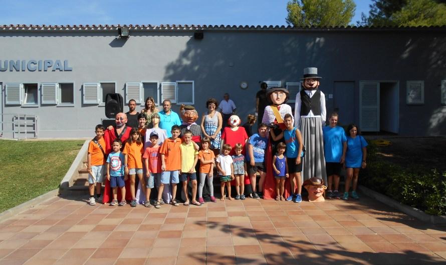 Festa Major Castellbell i el Vilar '16: Matinal infantil a les piscines municipals amb gegantons, Pregó infantil i inflables.