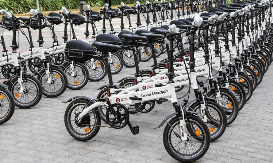 La diputació de Barcelona, lliura una bicicleta elèctrica a l'Ajuntament de Castellbell i el Vilar