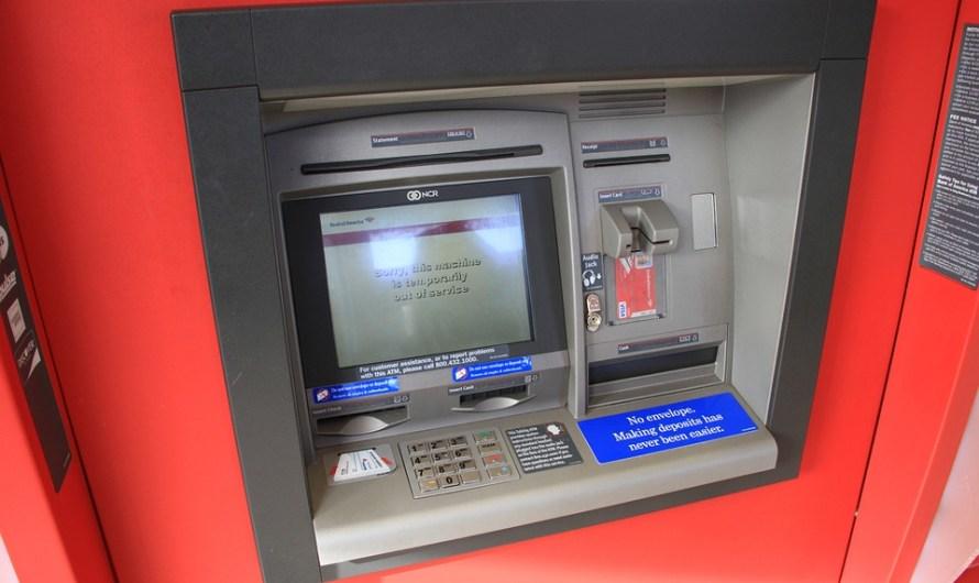 Com evitar robatoris en caixers de les entitats bancàries.