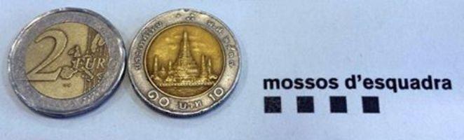 Els Mossos alerten no confondre monedes de baix valor que s'assemblen a les d'un o dos Euros.