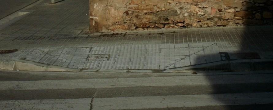 La brigada municipal de Castellbell i el Vilar continua construint nou accessos per a persones amb mobilitat reduïda.