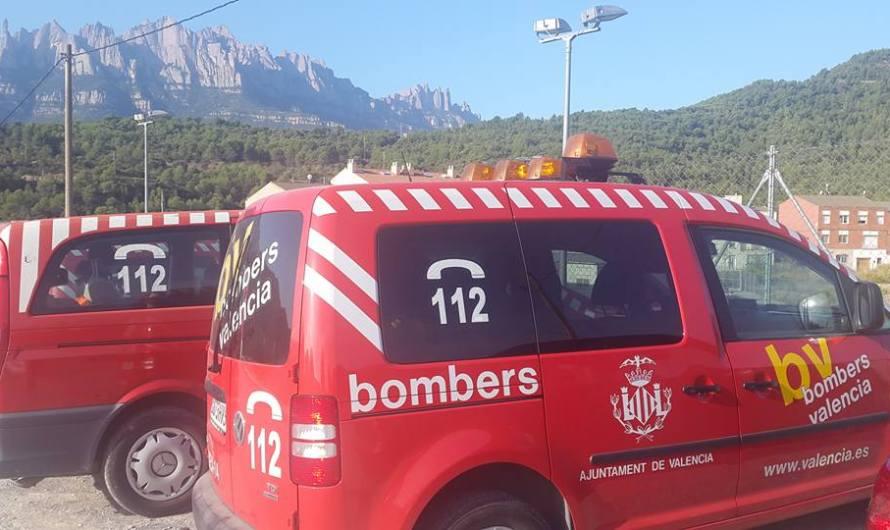 Els bombers de l´Ajuntament de Valencia, fan pràctiques de rescat submarí a Castellbell i el Vilar.