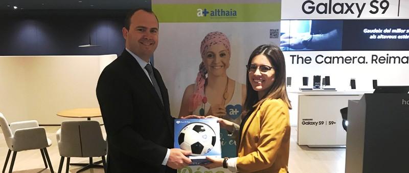 Caixabank col·labora amb Althaia de Manresa amb la pilota de la vida