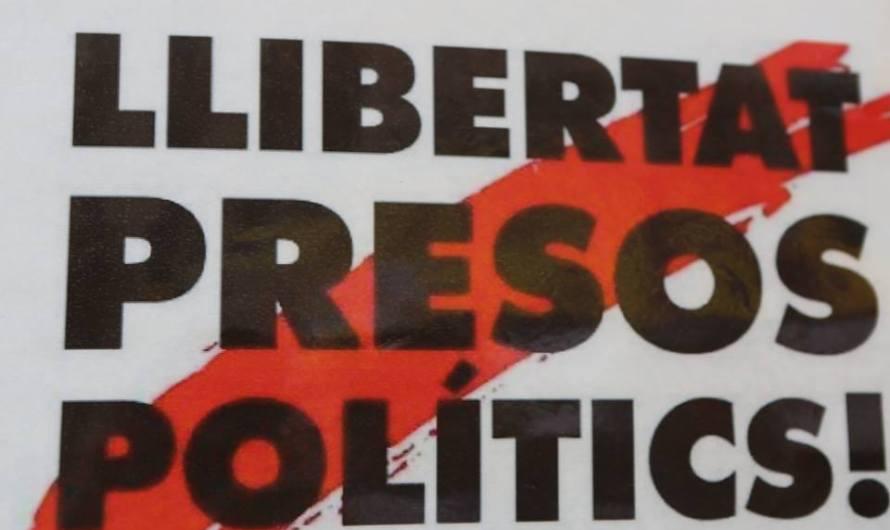La plaça Sant Jaume crida Llibertat