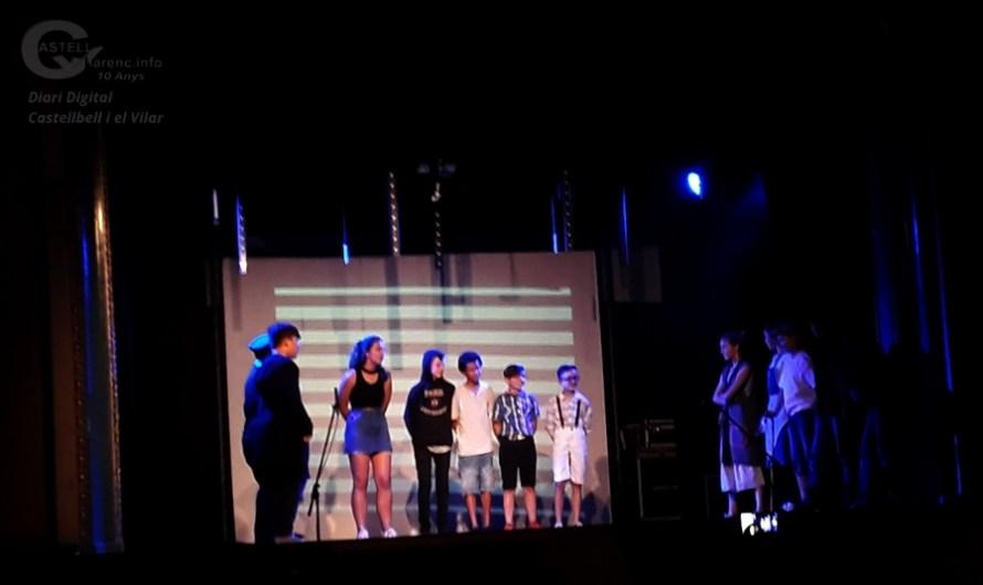 Alumnes de 6é del CEIP Jaume Balmes de Castellbell i el Vilar, fan una representació teatral de fi de curs