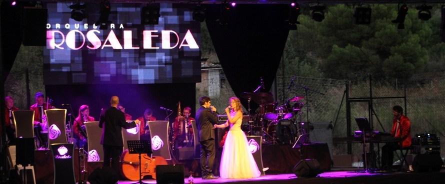 L'Orquestra Rosaleda omple el poliesportiu de Castellbell i el Vilar