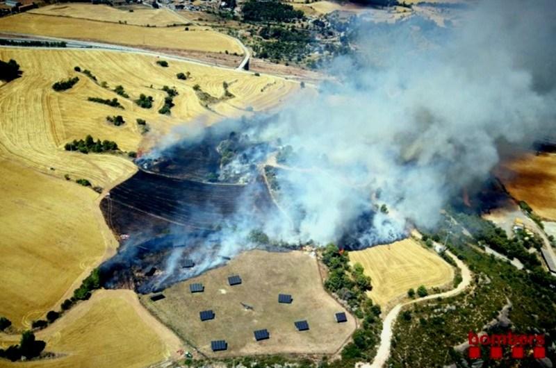 Estabilitzat l'incendi de vegetació agrícola a Rajadell