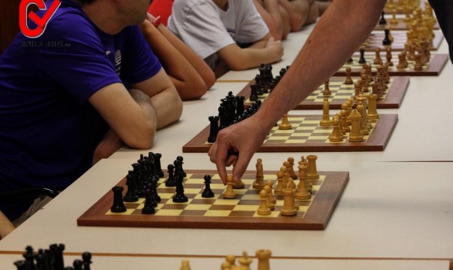 Èxit a la Simultània d'escacs