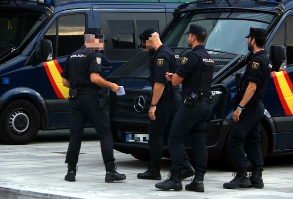 Policia Nacional i Guàrdia Civil reforcen la seguretat a punts estratègics, a partir d'aquest dissabte