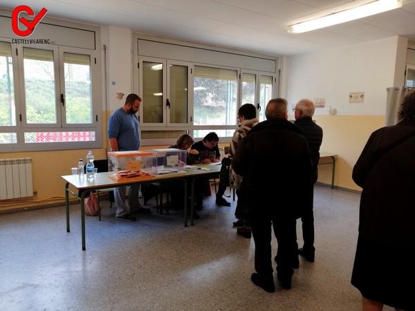 La Participació a les 14 hores a Castellbell i el Vilar per sota de l'abril.