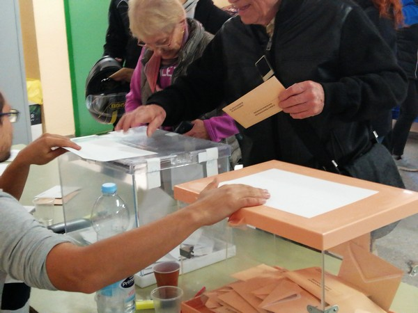 Unes 2.949 veïnes de Castellbell seran cridades demà a les urnes