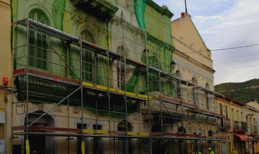 Junts Per Castellbell lamenta que les obres del casino es facin ara per festes.
