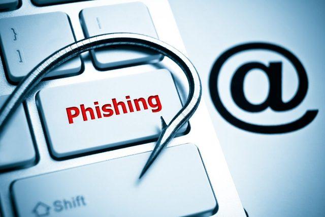 Els Mossos alerten d'una nova modalitat d'estafa en què els delinqüents es fan passar per una oficina de Correus