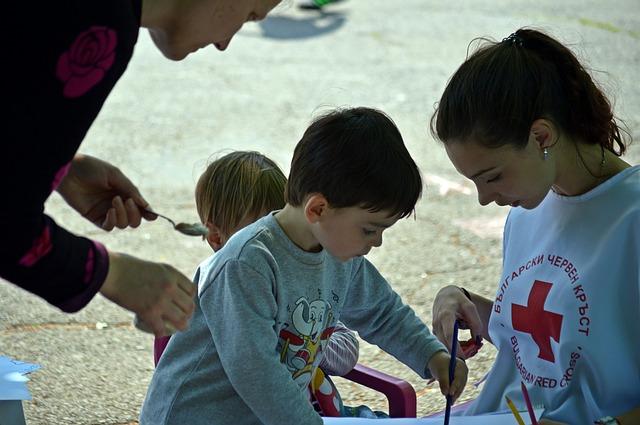 La Comissió de Joves de Castellbell i el Vilar ofereix ajuda a persones grans i famílies que necessitin tenir cura d'infants