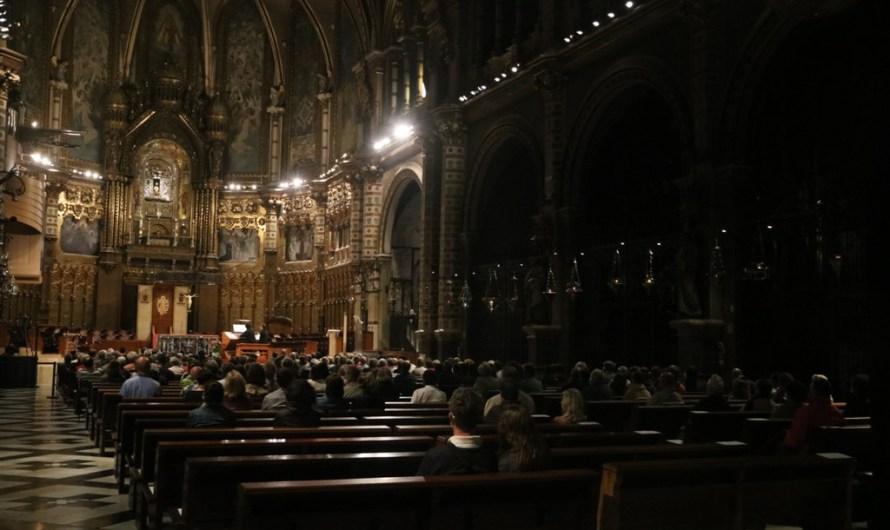 L'orgue de Montserrat ressona a la basílica de Santa Maria en un concert homenatge a les víctimes de la covid-19
