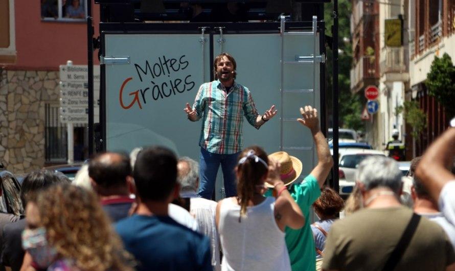 Quim Masferrer, estrena el xou de carrer 'Moltes gràcies' amb els veïns dels pobles com a protagonistes