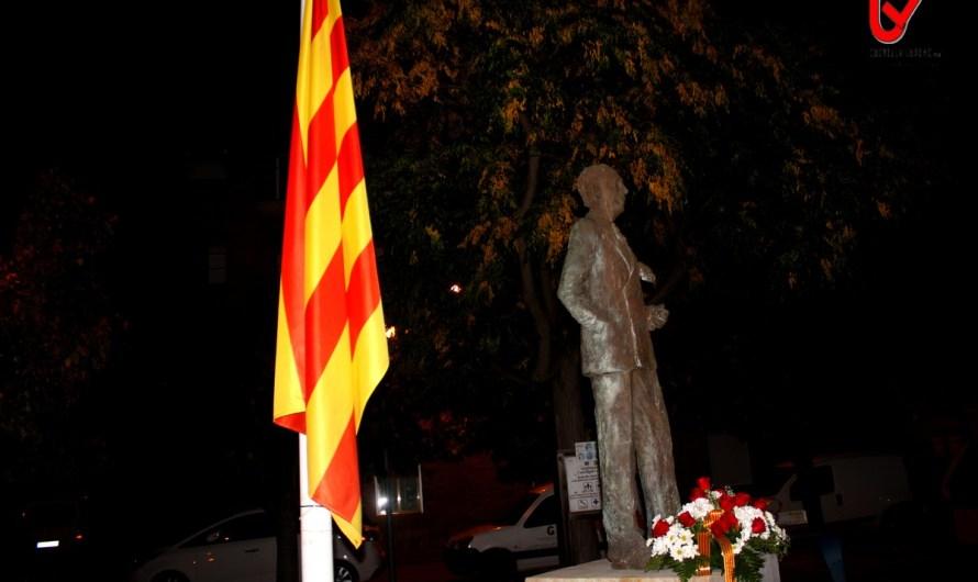 """Tornen a pintar el monument a Lluís Companys amb la paraula """"Assassí"""""""