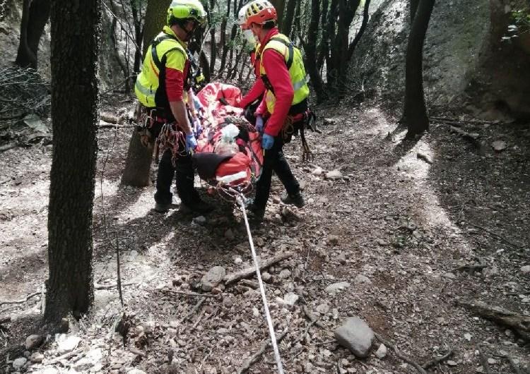 Ferit greu un escalador que va caure de deu metres d'alçada mentre feia un ràpel a Montserrat