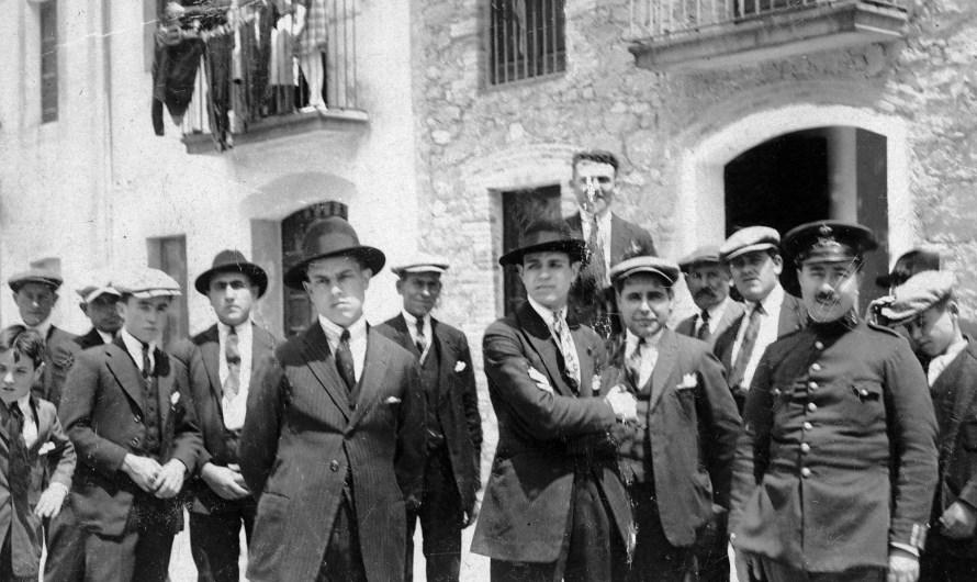 Castellbell i el Vilar commemora el 90è aniversari de la proclamació de la República amb la descoberta d'una placa a la façana de l'antic Ajuntament