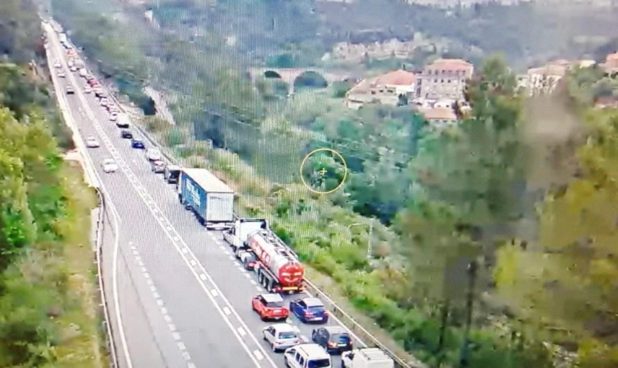 Un accident entre un cotxe i una moto provoca retencions a la C-55 a Castellbell