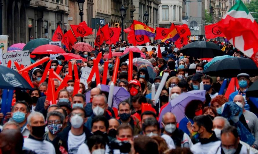 Titulars de la premsa per avui dimarts 2 de maig: Les negociacions entre ERC i Junts i les eleccions a la Comunitat de Madrid, a les portades