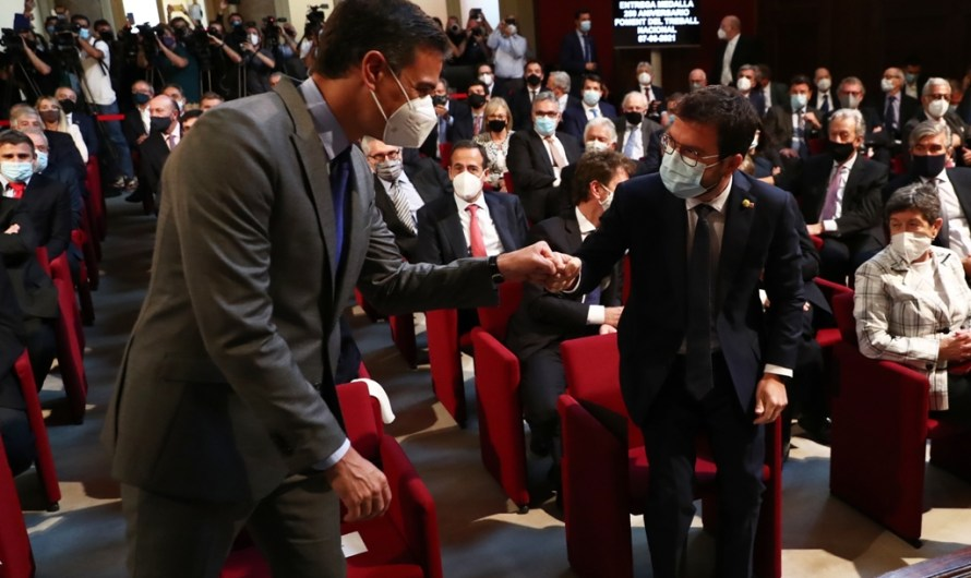 Titulars dels diaris per avui dimarts 8 de juny: Aragonès i Sánchez es troben el dia que Junqueras avala els indults
