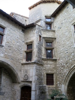 Courtyards and crannies
