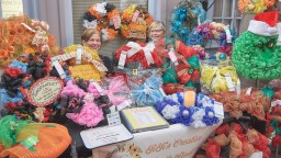 Craft Show in Caste Village Commons
