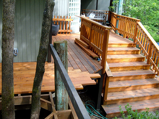 Cedar Deck Corner and Stairs