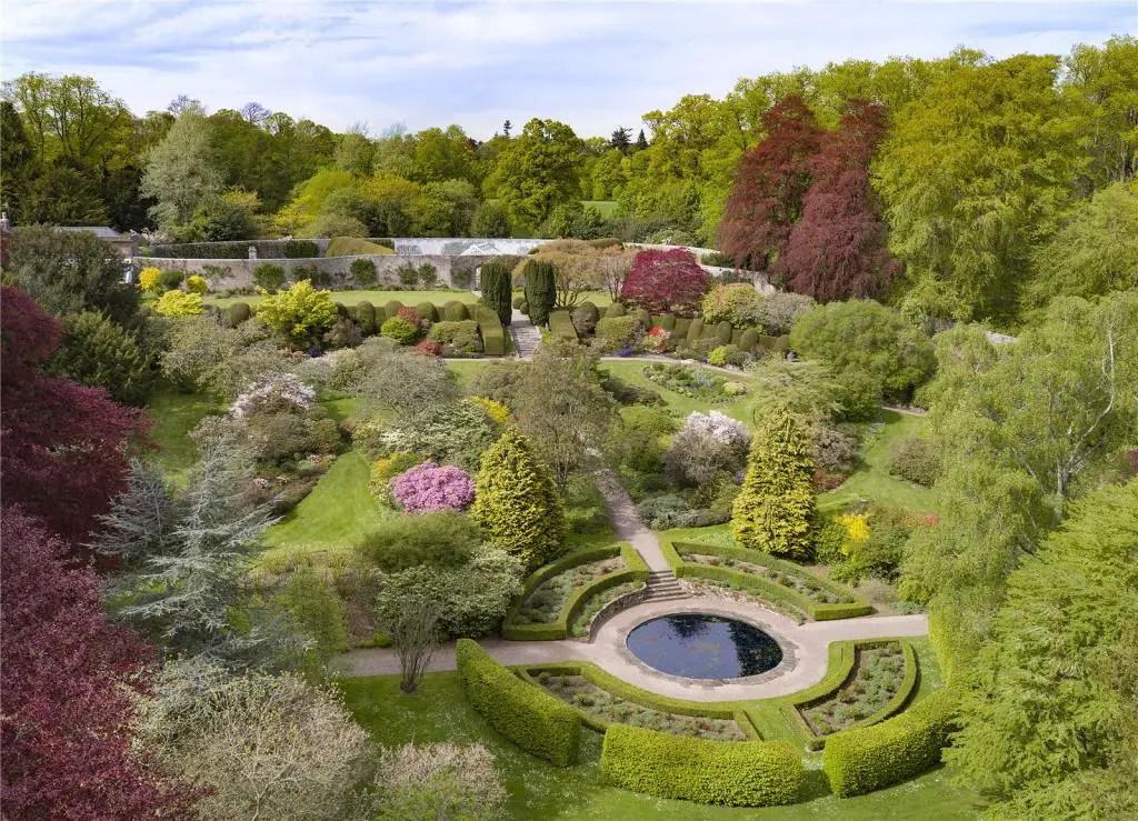 Brechin Castle Garden