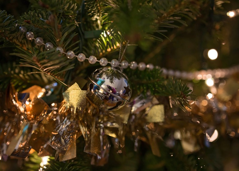 christmas tree decorations details