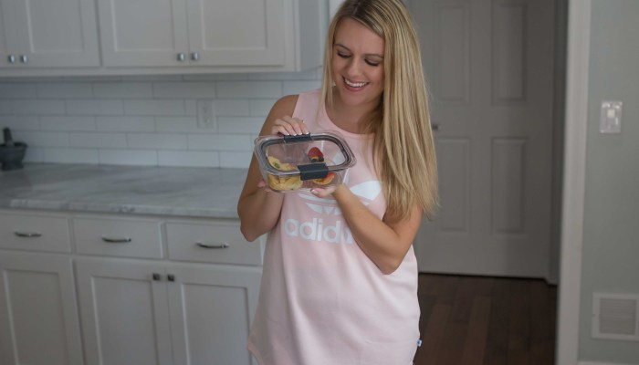 Easy On The Go Snacks [+ Rubbermaid BRILLIANCE Lunch Giveaway]
