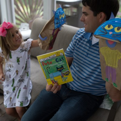 Pete the Cat Paper Bag Puppets (+ Giveaway)