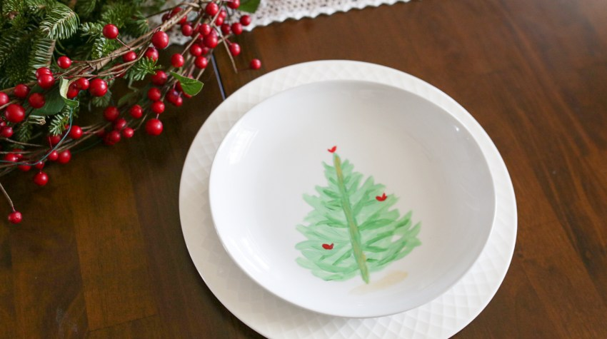 DIY Painted Christmas Tree Plates