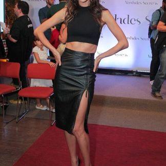 Black Blouse Shirt of Alessandra Ambrosio